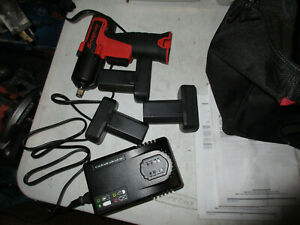 Snap On 3 8 14 4v Micro Lithium Cordless Impact Wrench Kit bag 3 Batterys Ct761a