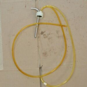 A dec Dental Chair Hydraulic Oil Tank Lid With Hoses Sleeves