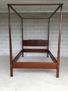 Biggs Mahogany Shaker Style Tester Full Size Pencil Poster Bed Frame