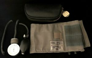 Vtg Tycos Classic Adult Aneriod Sphygmomanometer Blood Pressure Cuff In Drs Case