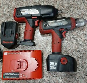 Snap on 18v 1 2 Impact Wrench Ct6850 Drill Set With 2 Batteries Charger