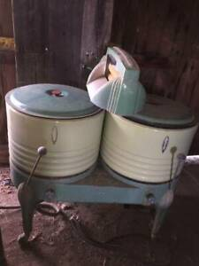 Very Rare All Original Vintage 1930s Dexter Double Wringer Washer Green