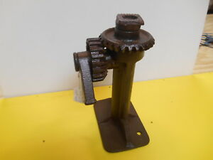 Vintage Car Truck Jack Threaded Geared Ratchet Old Cars Trucks Farm Equipment