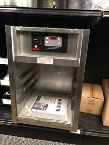 Henny Penny Bw 100 Countertop Display Electric Bun Warmer