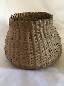 Wondeful Hand Woven Splint Primitive Gathering Basket 9 X 13 X 9