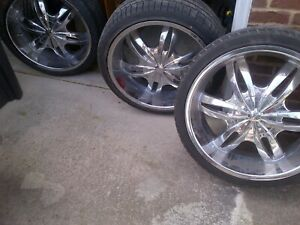 Set Of 4 Used 22 Inch Rims W 265 35r22 Tires