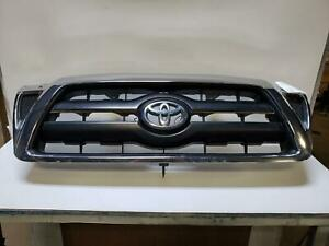 2006 Toyota Tacoma Upper Grille Chrome With Emblem