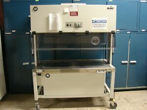 Nuaire Model Nu S612 500 Hood Safety Cabinet Animal Transfer Station