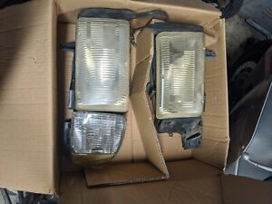 Headlight Set For 94 2001 Dodge Ram 1500 L R Single Beam W One Corner Light
