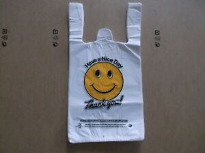 1000 Ct plastic Shopping Bags t Shirt Type Grocery White Happy Face Small Size