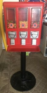 Candy Vending Machine W Keys Excellent Working Cond