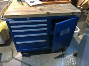 Lista wood Top Roll Cabinets With 5 Drawers And 1 Door On The Side With Wheels