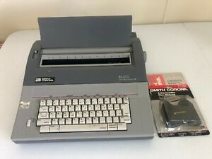 Smith Corona Sl570 Electronic Typewriter W Lid And Ribbon Dictionary
