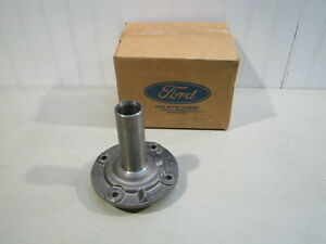 Nos Ford F 100 350 4x4 New Process 435 4 Spd Transmission Input Bearing Retainer