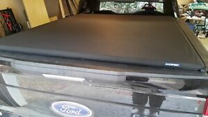 Lund 968250 Genesis Elite Roll Up Truck Bed Tonneau Cover For 2017 2020 Ford F 2