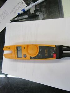 Fluke T5 1000 Voltage Continuity Multifunction Handheld Electric Tester