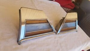 1970 Buick Riviera Front Side Marker Cornering Lights