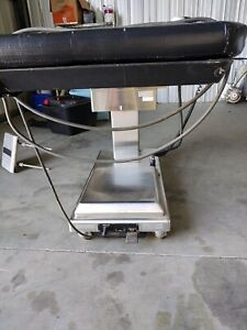 Skytron Elite Model 3001 Surgical Table O r With Remote