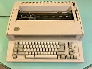 Ibm Personal Wheelwriter 6781 Typewriter Great Condition Prob Needs Ink Soon