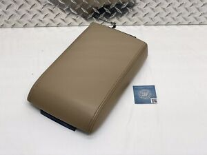 06 10 Ford Explorer Mountaineer Center Console Armrest Lid Arm Rest Tan Leather