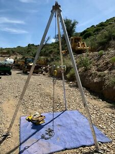 Dbi sala L1850 60 1 Winch And 9 Foot Confined Space Tripod In Great Condition