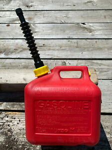 Vintage Mid West Can 2 Gallon Vented Gas Can Made In Usa