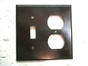 Leviton 2 Gang Switch Outlet Combo Plate Wall Cover Brown Smooth Bakelite 1 Vtg