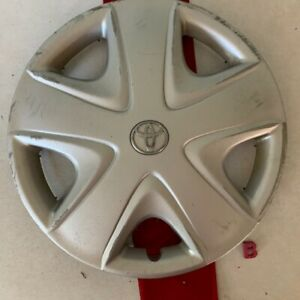 b 1 2003 2005 Toyota Echo 15 Oem Wheel Cover Hub Cap Silver Finish 2680