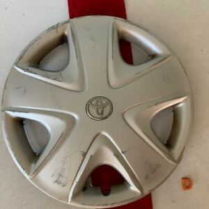 d 1 2003 2005 Toyota Echo 15 Oem Wheel Cover Hub Cap Silver Finish 2680