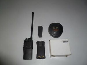Motorola Ht750 29 7 42 Mhz Low Band Two Way Radio Aah25bec9aa3an Oe462