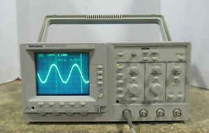 Tektronix Model Tas475 4 channel Analog 100mhz Oscilloscope Tested And Working