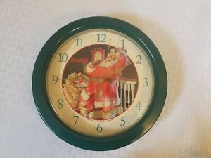 Coca Cola old world Santa Claus plastic green Christmas clock 1998 tested works