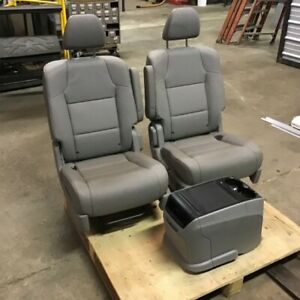 Toyota Sequoia Leather Bucket Seats Two Front With Console