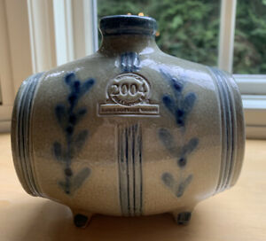 ROWE POTTERY 2004 HISTORICAL COLLECTION Swigger.