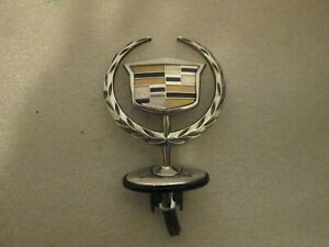 2000 2005 Cadillac Deville Oem Hood Ornament Assembly Emblem Badge Dhs Dts