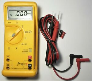 Used Fluke 23 Series Ll 2 Multimeter Tl75 Lead Set In Excellent Condition