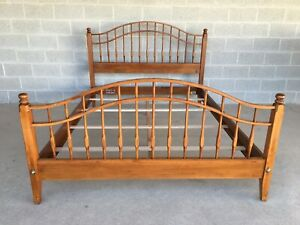Ethan Allen Country Crossings Queen Spindle Bed Model 17 5641 Finish 227