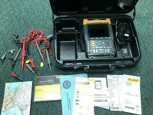 Fluke 199c Digital Oscilloscope Scopemeter Multimeter W Case Accessories Fs