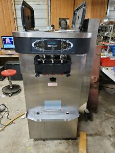 2012 Taylor C723 Soft Serve Frozen Yogurt Ice Cream Machine 1 Ph Air Cooled