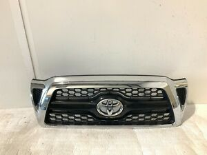 2005 2006 2007 2008 2009 2010 2011 Toyota Tacoma Front Center Grille Oem