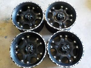 Set Of 4 Used Ballistic Off Road 811 Hostel 18x9 Wheels 5x5 0