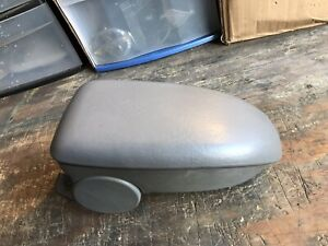 2000 2007 Ford Focus Center Console Arm Rest Lid Cover Light Gray