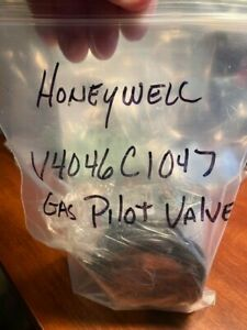 Honeywell Magnetic Pilot Gas Valve V4046c 1047 Item 747475 k5