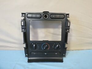 05 09 Ford Mustang Center Dash Radio Climate Control Bezel Oem 8r33 19980 aa