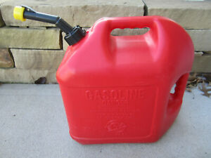 Blitz 5 Gallon Gas Fuel Can With Vented Fixed Spout 50833 Usa