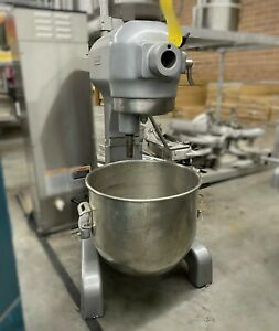 A 200 Used Hobart 20 Quart Commercial Stand Mixer With Bowl