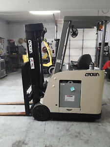 2007 Crown Electric Forklift