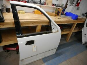 2005 Ford Expedition Eddie Bauer Right Passenger Front Door Frame