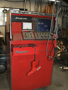Vintage snap On Engine Analyzer And Cabinet