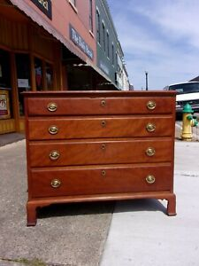 American Federal Cherry Four Drawer Chest Of Drawers Early 1800s